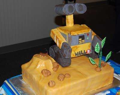wall-e-cake
