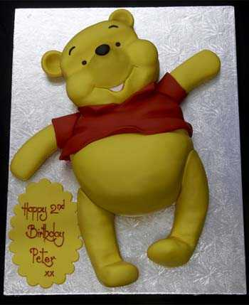 002929 Novelty Winne the Pooh Bear Birthday Cake