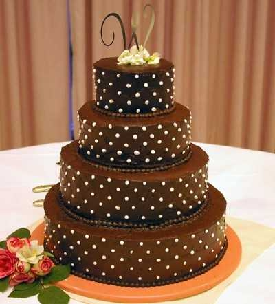 choc-pearls-wedding-cake