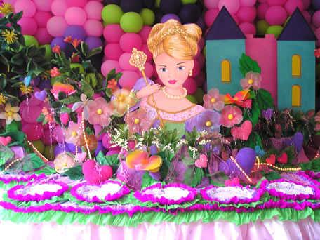 una fiesta para la pequeña de la casa y la temática será la Barbie