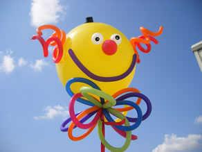 crea nuevas formas de lucir una fiesta animada con globos