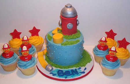fire_hydrant_cake_and_cupcakes