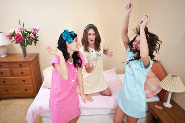 Pasar la noche con tus amigas es diversión asegurada